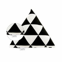 Big Pyramid Black and White Triangles